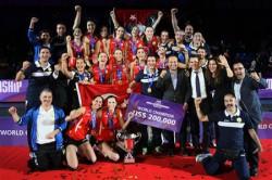Branilk naslova iz leta 2013 VakifBank Istanbul  ni na turnirju