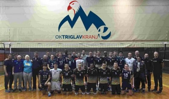 Skupinska fotografija po koncu tekme (foto: oktriglav.si)